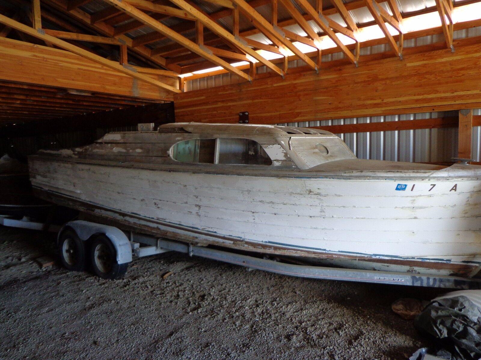 Chris Craft Express Cruiser  23' 1946 Wood Boat