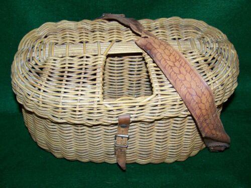 Vintage Orvis Whole Wicker Center Hole Creel  (Scarce)