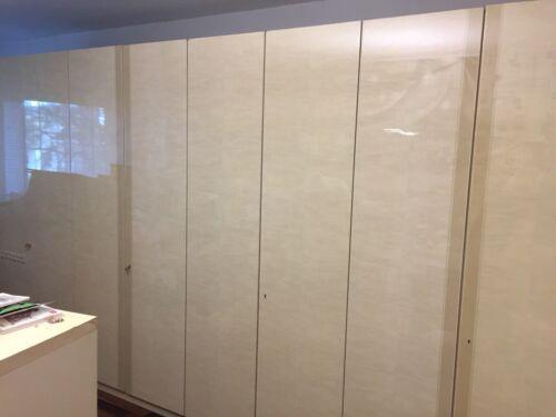 Kleiderschrank Beige Creme glänzend 8 Tür Breite 4 m Höhe 2,22 m Lange Schrank