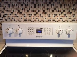 Samsung Conventional  Oven  Stove   Cornwall Ontario image 1