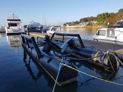 Custom Float - Boat airberth