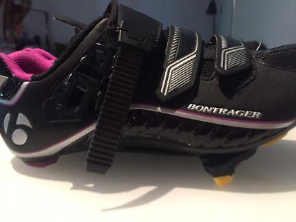 Bontrager womens road bike shoes - new- size 39