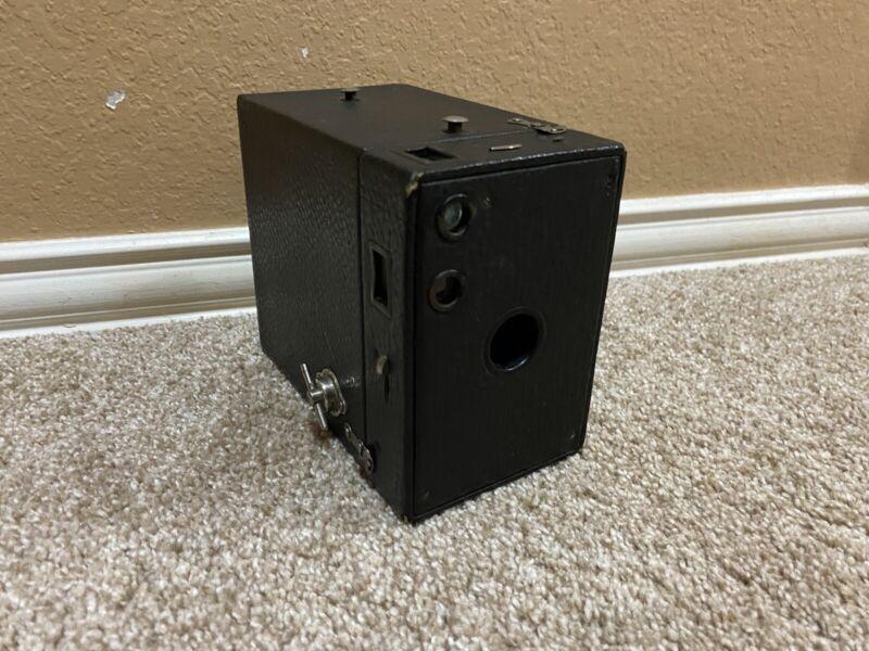 ANTIQUE Brownie Model 2B Camera Shutter Fires