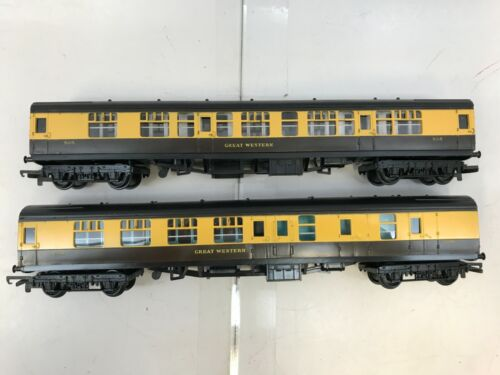 Hornby R.744 / R.743 GWR Passenger Car Coach - Two Piece - OO sc - New Old Stock