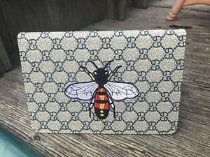 Ipad mini 1,2,3,4 Embroidery bee flip case cover new