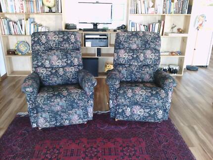 Brand New Lazy Boy Lounge Suite 2x Recliners plus 2 Seater Sofa Bunglegumbie Dubbo Area Preview