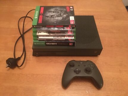 Xbox One S Battlefield 1 edition + 5 Games