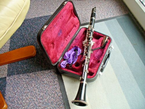 YAMAHA YCL26 CLARINETwith Bill Lewington Mouthpiece.Yamaha Clarinet GAKKI