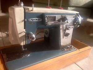 Myer deluxe zigzag sewing machine Leopold Geelong City Preview