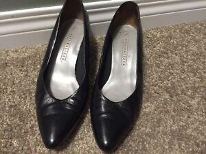 Size 8 Soft Leather Pumps - Black