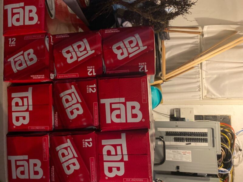 12 pack of tab soda cola New!