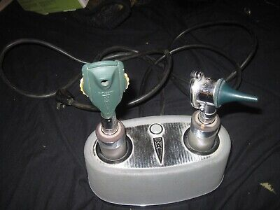 Welch Allyn 711 Universal Desk Charger With Ophthalmoscopesotoscopes Untested