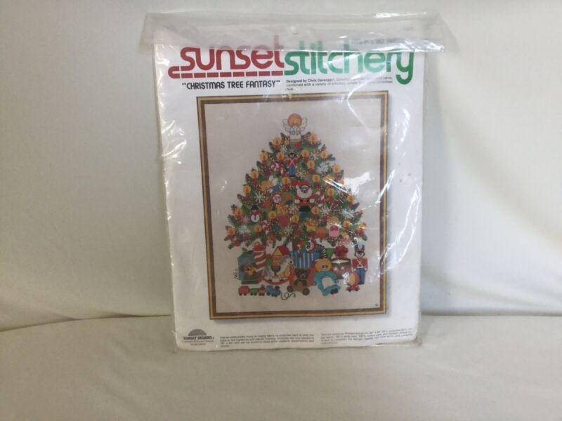 """SUNSET STITCHERY VTG. CHRISTMAS TREE FANTASY STITCHING KIT 1978 SEALED 16"""" X 20"""""""