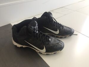 Size 5 Y football cleats