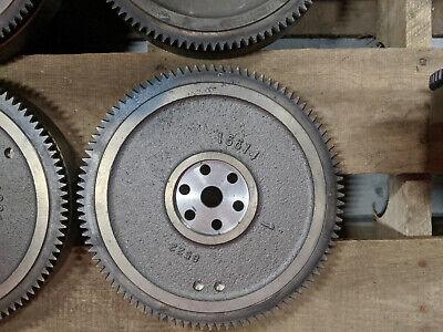 Kubota Oem V1305 V1505 Diesel Engine Flywheel 16614-25012 16614-25016