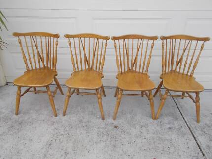 Jackson Furniture Spindle Back Fan Timber Dining Kitchen Chairs