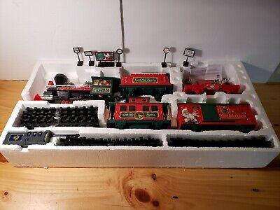 EZTEC. Christmas Train Set-North Pole Express-35 pcs. W/Wireless Remote ~TESTED~