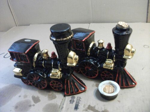 Vintage Ezra Brooks Train Decanter 12 Years Old Heritage China Black Red Gold2pk