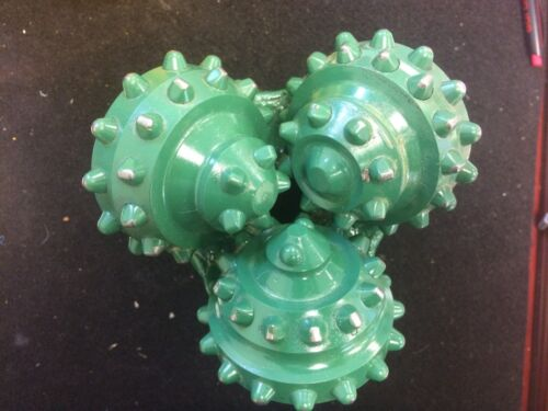 Tricone Bit 5-7/8 Carbide Open Bearing 3-1/2API REG