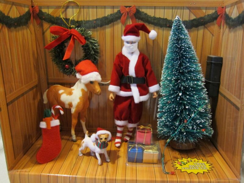 BREYER CLASSIC HOME FOR THE HOLIDAYS PLAY SET