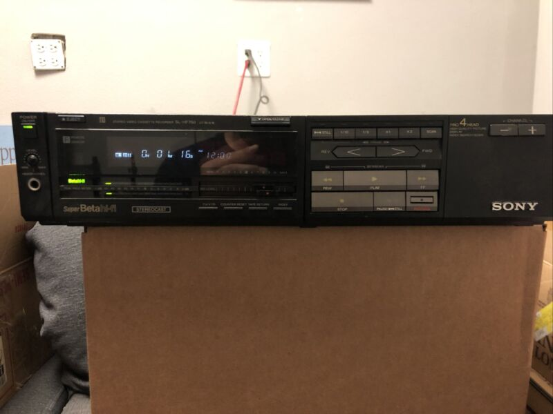 Sony Super Betamax Beta Model SL-HF750 VCR in good working order