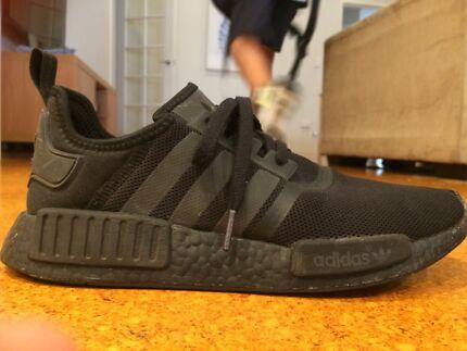 Adidas NMD R1 triple black US 9.5