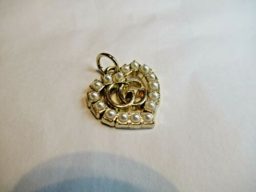 GUCCI ZIP PULL   20MM gold tone,  FAUX PEARL THIS IS FOR 1 heart