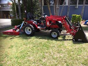 Mahindra eMax 22 with loader, 4 in 1 and slasher Browns Plains Logan Area Preview