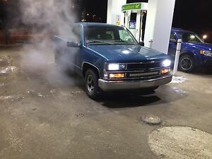 1997 Chevy Short box Reg Cab 2WD New Engine