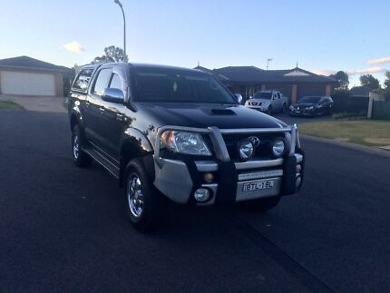 TOYOTA HILUX SR5 4x4 TURBO DEISEL  Rutherford Maitland Area Preview