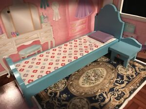 kidkraft dollhouse funiture,bed and bedside table.