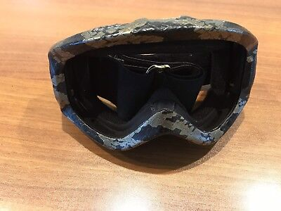 4fc945776852 Burton Anon Snowboarding Skiing Goggles SnakeSkin Design
