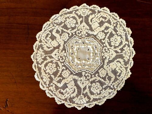 "Antique Hand Darned Net Lace & Linen 9"" Doily- Cherubs/Putti"