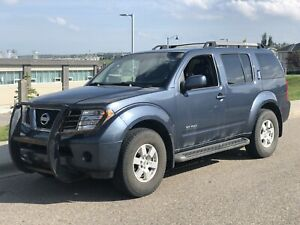 2005 Nissan Pathfinder SE 4x4 Off-road