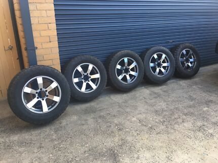 """5 x 18"""" rims and 275/65 AT tyres to suit 4x4 (Advanti Typhoons)"""