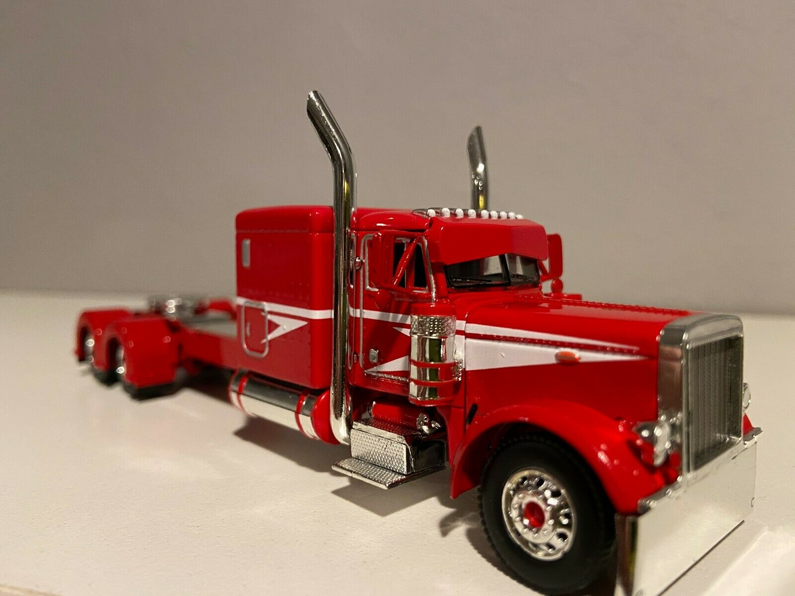"NEW DCP RED & WHITE PETERBILT 379 60"" BUNK 320"" FRAME (6 12"" long)"