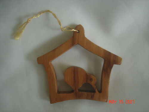LOVELY 1998 NEW ZEALAND CARVED KAURI WOOD KIWI BIRD CHRISTMAS ORNAMENT