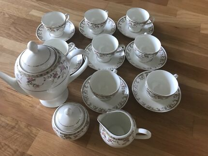 Trent and Dune Rose Petal Tea Set