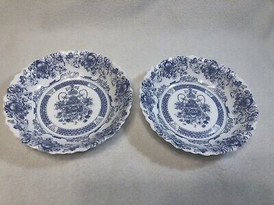 2 Arcopal France HONORINE COUPE Soup/Cereal Bowls Milk Glass Scallop - Glass Scallop