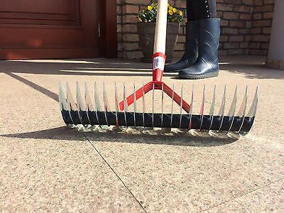 Schneidrechen 35 cm Vertikutierer Rasenlüfter Handvertikutierer Harke mit Stiel