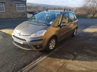 Very Low Milage Citroen C4 Picasso Diesel Automatic