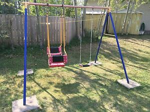 Free Swing Set (Moving)
