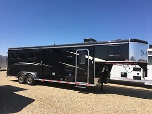 2019 3 horse LQ only $47,900 call or text Glenn at 403-505-3326