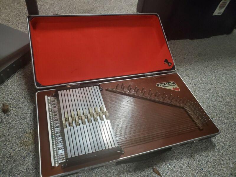 Portaharp Autoharp Porta Harp By: Rhythm Band Table Top In good condition