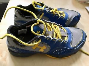 Under armour youth 3.5 size