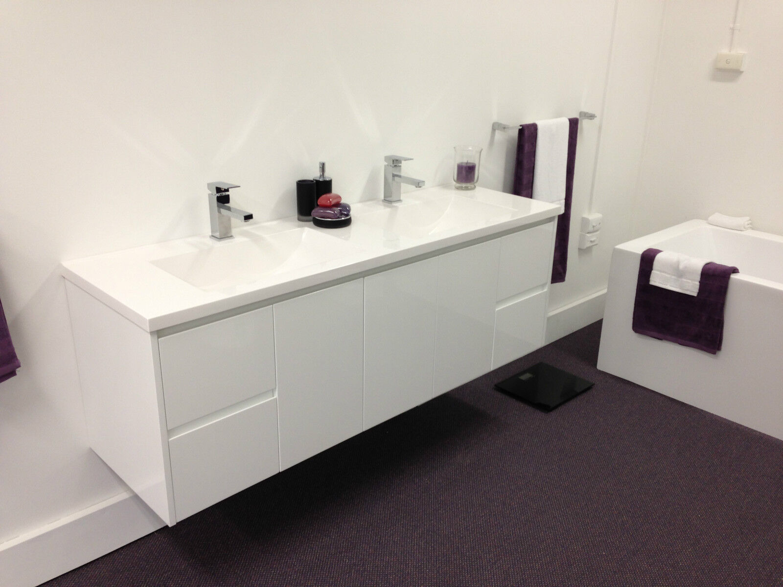 Combathroom Wall Hung Vanity Units : Combathroom Wall Hung Vanity Units : BATHROOM VANITY UNIT - 1800mm ...