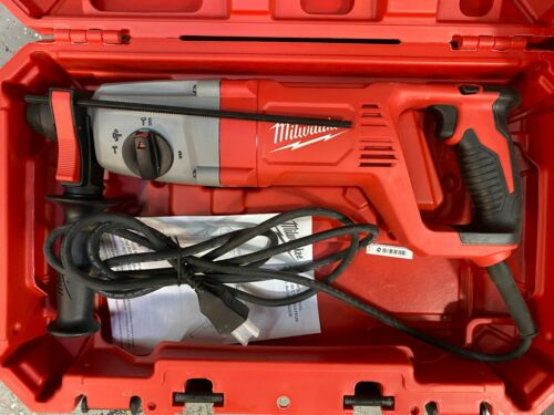 "Milwaukee 5262-21 8 Amp Corded 1"" SDS PLUS Rotary Hammer in Case - GOOD"