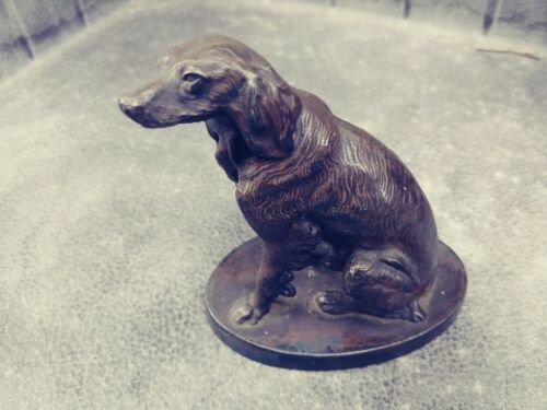 Antique IRISH SETTER weighs 1.1LB with bumblebee within a clover marking