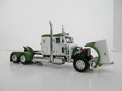 DCP 1/64 SCALE 379 PETERBILT SMALL BUNK (DAY CAB OPT) WHITE,GREEN TOP &  FENDERS 3