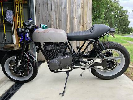 XS360 TWIN YAMAHA CAFE RACER PROJECT - 1976 MODEL